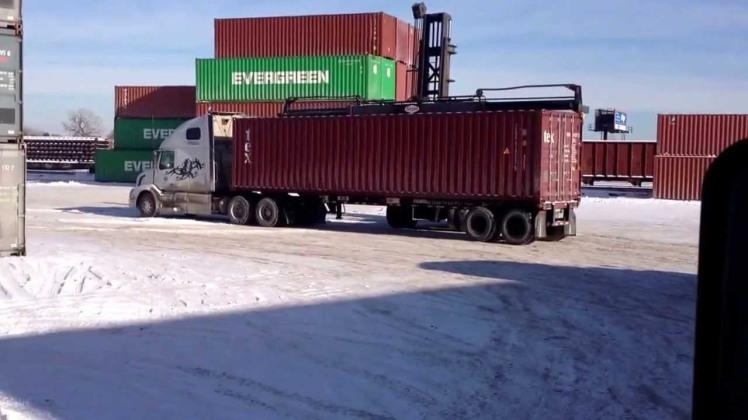 Vận chuyển đường biển giá rẻ của MLC