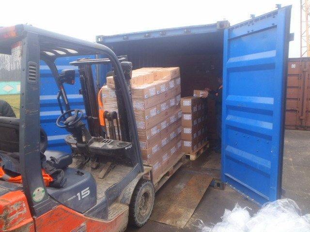 xếp-hàng-vào-container