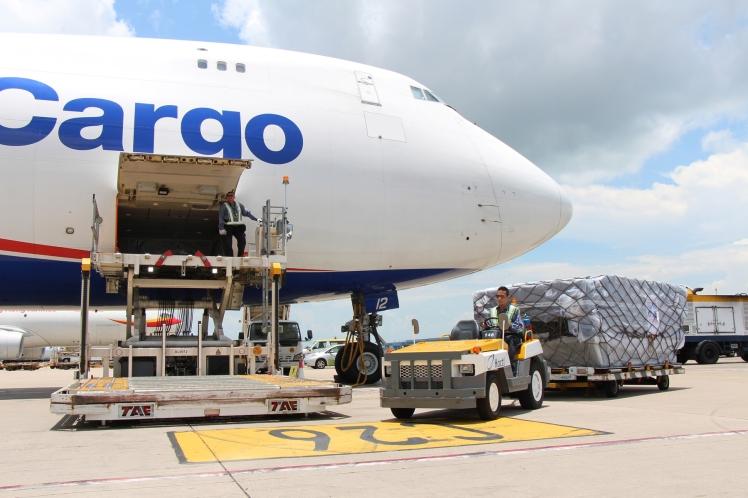 Dịch vụ vận chuyển hàng hóa xuất nhập khẩu bằng máy bay