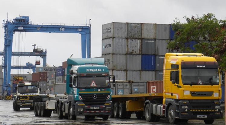 MLC nhận vận chuyển hàng hóa bằng container đường biển