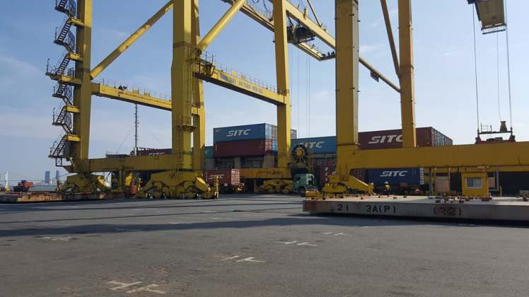 MLC nhận vận chuyển hàng hóa xuất nhập khẩu
