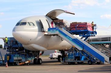 MLC luôn cung cấp dịch vụ vận tải hàng không tốt nhất